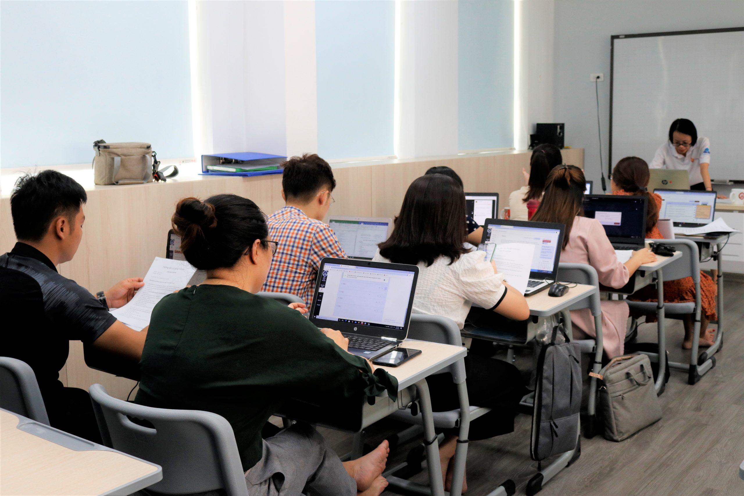 """GIÁO VIÊN TIMES SCHOOL THAM GIA ĐÀO TẠO SỬ DỤNG """"HỆ THỐNG E-LEARNING"""""""
