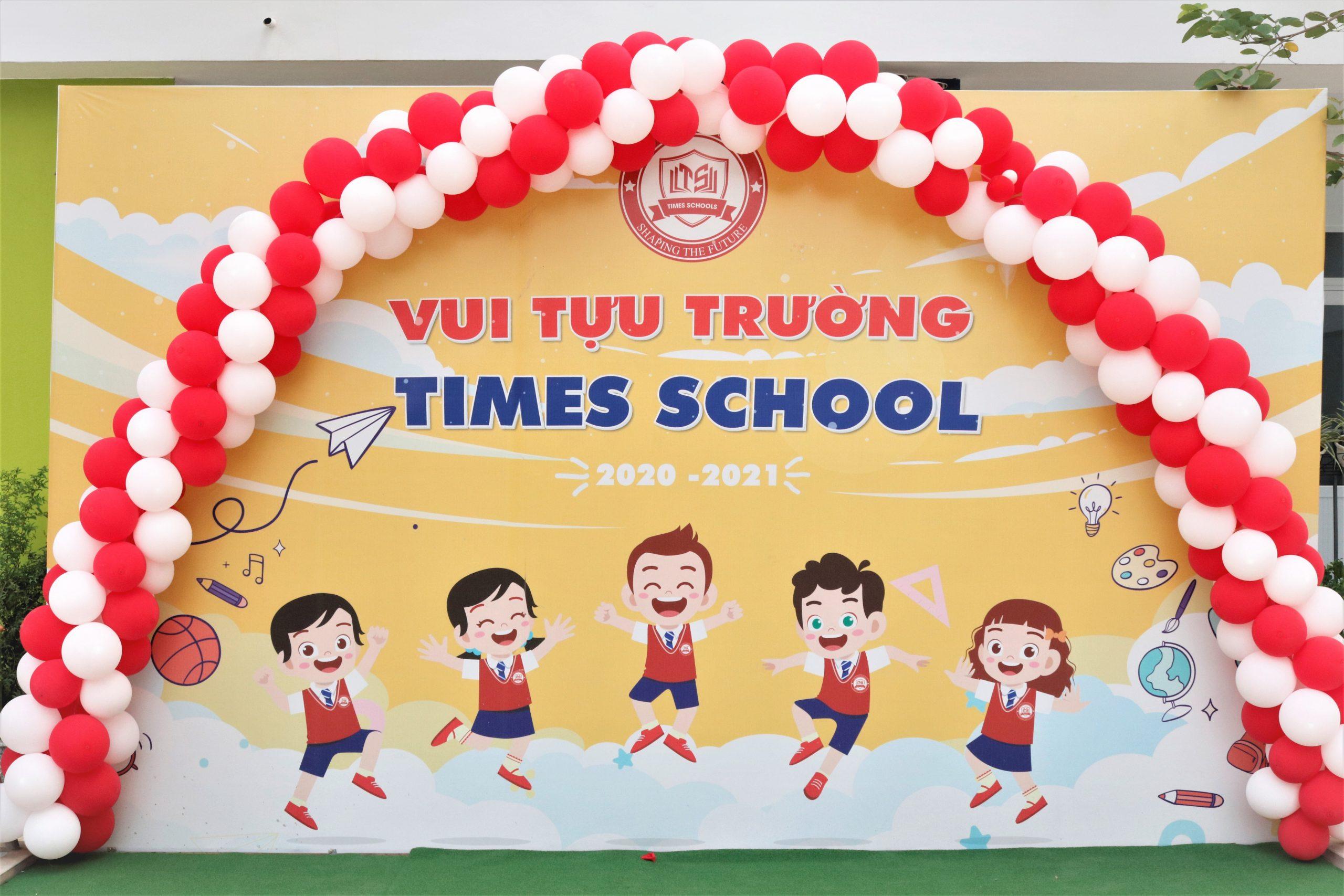 HÂN HOAN ĐÓN HỌC SINH TIMES SCHOOL TỰU TRƯỜNG