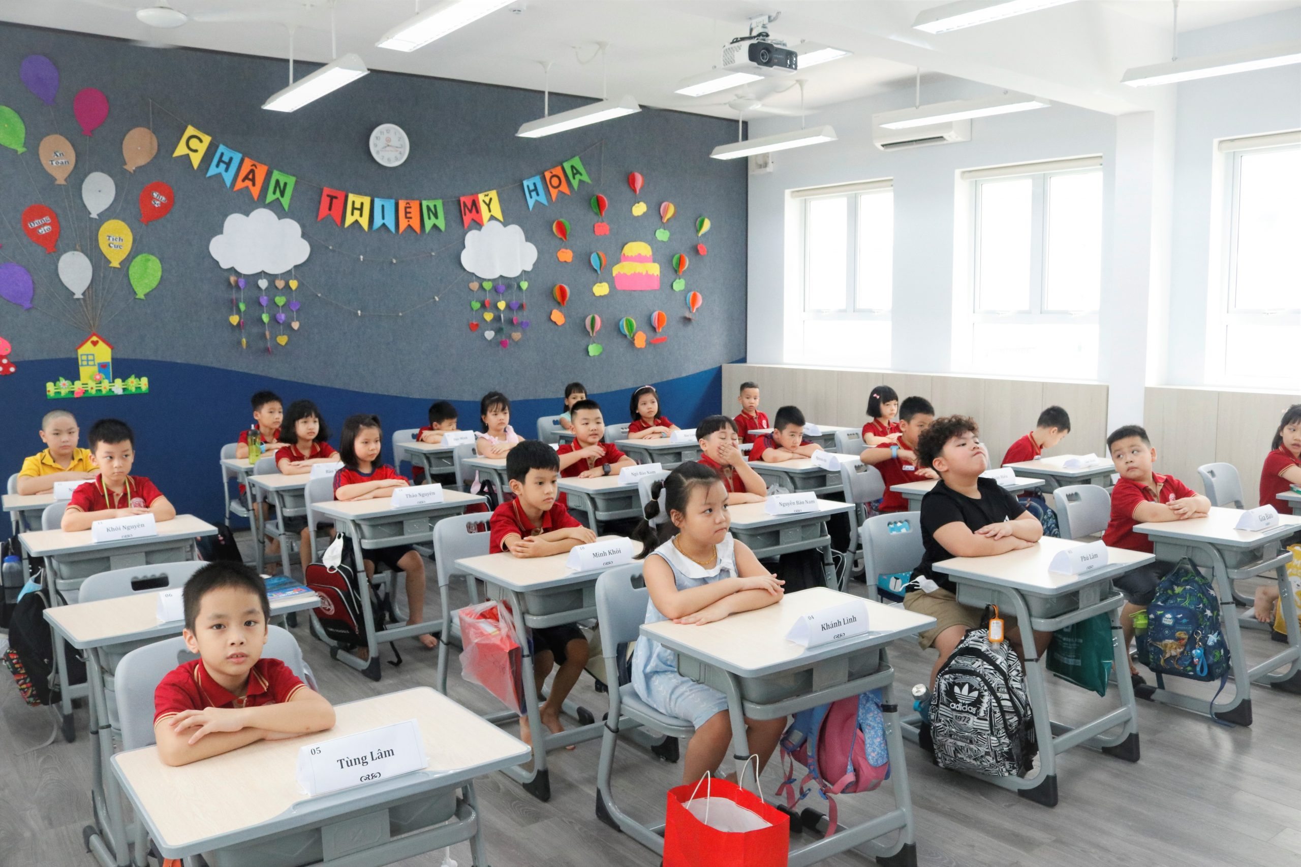 NGÀY ĐẦU TỰU TRƯỜNG ĐẦY CẢM XÚC CỦA HỌC SINH TIMES SCHOOL