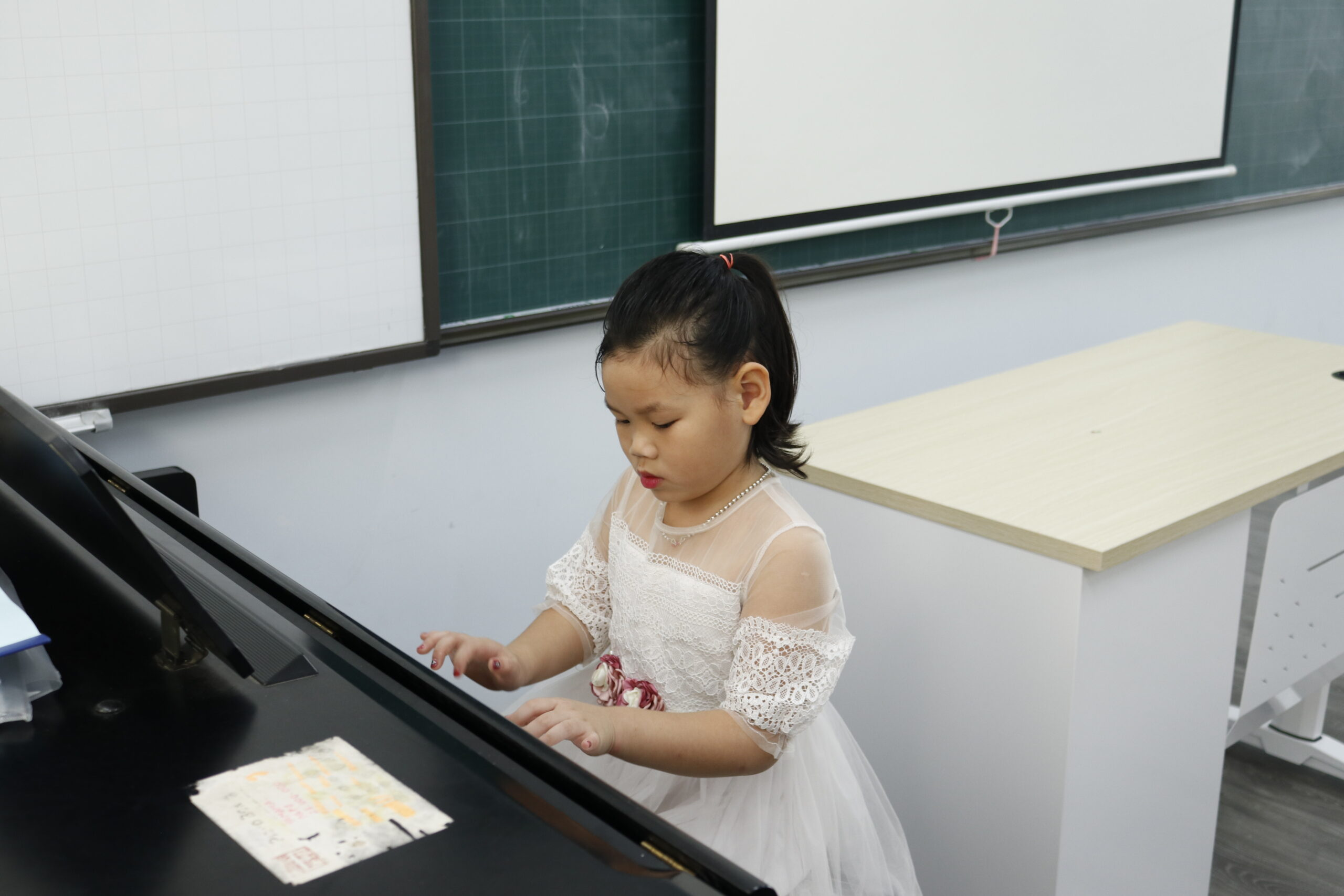 """CUỘC THI """"CẤT CÁNH CÙNG TIMES SCHOOL"""" MỪNG NGÀY NHÀ GIÁO VIỆT NAM 20/11"""